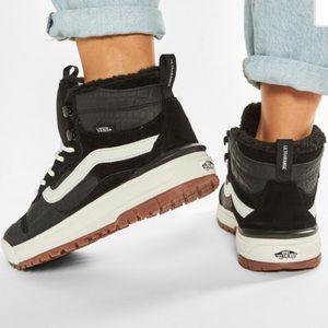 Vans Ultrarange Exo Hi MTE Sneakers: Croc Black